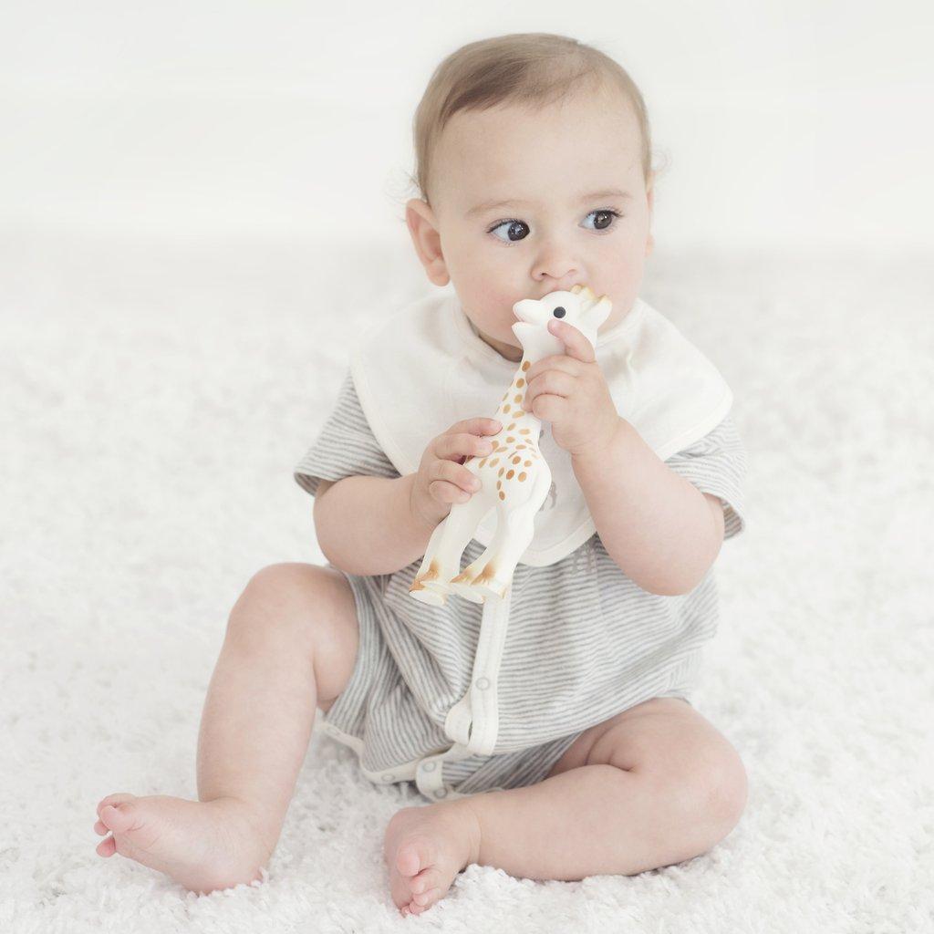 f95fb9e9f43 ... Σόφι η καμηλοπάρδαλη το πρώτο παιχνίδι του μωρού που διεγείρει όλες του  τις αισθήσεις